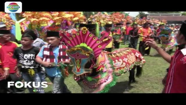 Pemerintah Kabupaten Lumajang menggelar Festival Jaran Kencak di Stadion Wira Bhakti Lumajang.