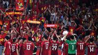 Timnas Vietnam seusai leg pertama final Piala AFF 2018 melawan Malaysia di Stadion Bukit Jalil, Kuala Lumpur (11/12/2018). (AFP/Mohd. Rasfan)