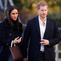 Bukan pinjaman dari Ratu Elizabeth II, Meghan Markle rupanya akan dibuatkan tiara khusus (AP Photo)