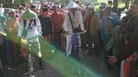 Dua pria kebumen nekat berangkat haji bersepeda ontel. (Foto: Liputan6.com/Istimewa/Muhamad Ridlo)