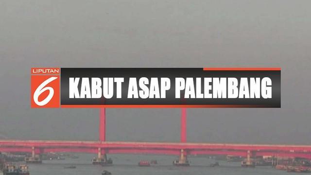 Kepekatan kabut asap yang sebelumnya menyelimuti Palembang mulai berkurang.