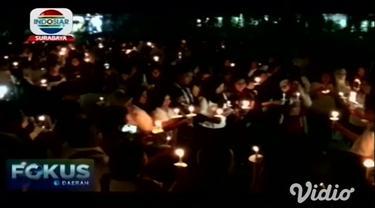 Hari Pencegahan Bunuh Diri seluruh dunia diperingati mahasiswa dan dosen dengan menyalakan 1.000 lilin di halaman Fakultas Kedokteran Universitas Airlangga Surabaya.
