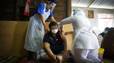 Vaksinasi Jemput Bola untuk Lansia di Malaysia