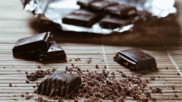 [Bintang] Ilustrasi Makanan Cokelat