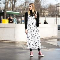 Lihat fashion item yang harus ada di lemari pakaian sekarang dan bagaimana tampil luar biasa dengannya.