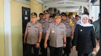 Kapolri Jenderal Tito Karnavian bersama Gubernur Jawa Timur Khofifah Indar Parawansa di Surabaya, Jawa Timur (Foto:Liputan6.com/Dian Kurniawan)