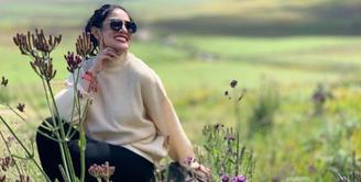 Kabar terbaru datang dari Nindy Ayunda yang menggugat cerai sang suami, Parasady Harsono, yang kini juga tengah terjerat kasus Narkotika.  (Instagram/nindyparasadyharsono)