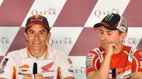 Pebalap Repsol Honda, Marc Marquez, tak memasukkan Jorge Lorenzo dalam daftar tiga rival terberat pada saat ini. (EPA/Noushad Thekkayil)