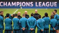 Real Madrid sedikit diuntungkan karena meraih kemenangan tandang 2-1 atas Bayern Munchen pada leg pertama Liga Champions 2017-2018. (AFP/Abdreas Gebert)