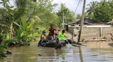 Banjir merendam sejumlah desa di Kabupaten Cilacap, Jawa Tengah akibat hujan lebat, Rabu (21/7/2021). (Foto: Liputan6.com/Humas Polres Cilacap)