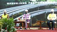 Presiden Joko Widodo meresmikan jalan tol Manado-Bitung ruas Manado-Danowudu. (Foto: Biro Pers Sekretariat Presiden)