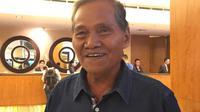 Tukiman, ayah dari mantan pemain yang kini menjadi pelatih Timnas Indonesia. (Bola.com/Benediktus Gerendo Pradigdo