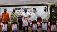Kemensos mempercepat penyaluran Bansos Sembako untuk masyarakat terdampak Covid-19 di DKI Jakarta, Bogor, Tangerang, dan Bekasi (Jabodetabek). (Dok. Kemensos)
