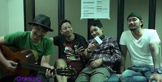Sempat vakum di dunia musik, The Cash bangkit digandeng dengan gitaris dari Sheila On 7, Eross Candra, dan menggandeng vokalis baru yaitu Ringgo Agus Rahman.
