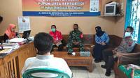 Antisipasi Penyelewengan Pupuk, Kepolisian Bersama TNI dan Forkopincam Jepon Melakukan Inspeksi Mendadak (Sidak) Gudang Pupuk Bersubsidi (Liputan6.com/Ahmad Adirin)
