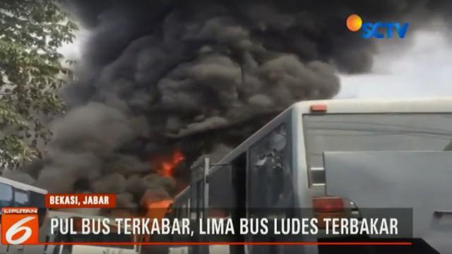 Menurut saksi mata api berasal dari pembakaran sampah yang berjarak hanya dua meter dari bengkel.