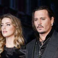 Dua tahun sudah Johnny Depp dituntut oleh sang mantan istri, Amber Heard atas tuduhan kekerasan saat mereka masih menikah. (Vanity Fair)