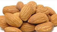 Kacang Kenari : via : http://ayysa.com/