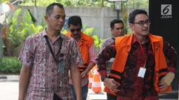 Gubernur Jambi nonaktif Zumi Zola Zulkifli tiba untuk menjalani pemeriksaan lanjutan di KPK, Jakarta, Jumat (6/7). Zumi Zola juga diperiksa terkait menerima Gratifikasi proyek-proyek di Provinsi Jambi. (Merdeka.com/Dwi Narwoko)