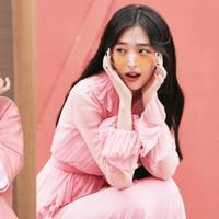 Peach, lagu IU tentang Sulli kembali ramai didengarkan penggemar sebagai tanda belasungkawa. (Istimewa)