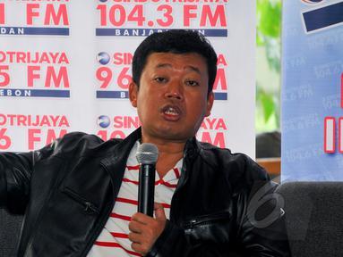 Kepala BNP2TKI Nusron Wahid saat menjadi pembicara dalam diskusi 'Elegi untuk TKI' di Jakarta, Sabtu (18/4/2015). Diskusi tersebut membahas tentang ribuan TKI yang tengah terjerat masalah hukum di luar negeri. (Liputan6.com/Yoppy Renato)