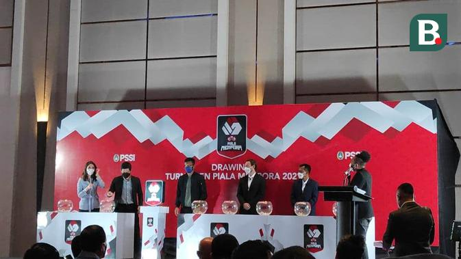 Drawing Piala Menpora 2021 di Hotel Fairmount, Jakarta, Senin (8/3/2021). (Bola.com/Muhammad Adiyaksa)