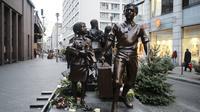 Monumen penyelamatan anak-anak Nazi via kereta Kindertransport di Jerman (AP/Markus Schreiber)