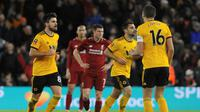 Liverpool menelan kekalahan 1-2 dari Wolverhampton Wanderers pada laga putaran ketiga Piala FA, di Molineux Stadium, Senin (7/1/2018). (AP Photo/Rui Vieira)