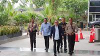 Ketua Umum PAN Zulkifli Hasan akhirnya memenuhi panggilan Komisi Pemberantasan Korupsi (KPK), hari ini Jumat (14/2/2020). (Liputan6/Radityo)