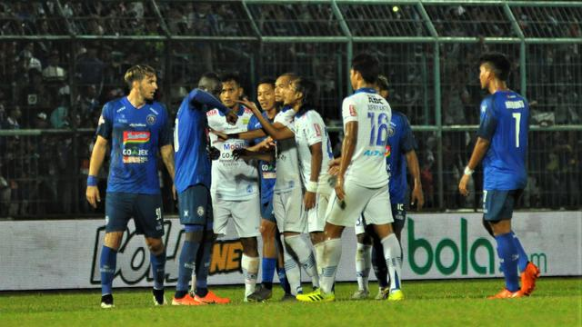 Makan Konate, Hariono, Arema FC, Persib Bandung