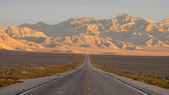 Viral Penyerbuan Alien Di Nevada Tentang Area 51