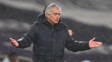 FOTO: Chelsea Bungkam Tottenham Hotspur 1-0