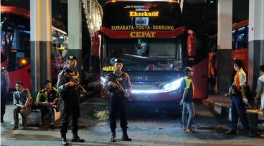Jelang Aksi 22 Mei, Polisi Razia Penumpang Bus dan Kereta Api Tujuan Surabaya - Jakarta