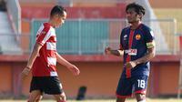 Ilham Udin Armaiyn jadi kapten Selangor FA saat uji coba melawan Madura United di Stadion Gelora Ratu Pamelingan, Pamekasan (4/9/2018). (Bola.com/Aditya Wany)