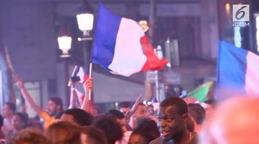 Prancis berhasil mengalahkan Belgia dalam lagi semifinal Piala Dunia 2018, warga Prancis di Paris bersuka cita di jalanan menyambut kemenangan tersebut.
