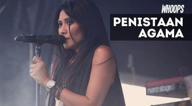 Penyanyi Anggun C Sasmi menuai krtikan setelah mengeluarkan komentar tentang penistaan agama di akun media sosial
