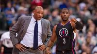 Chris Paul bisa tampil memperkuat Los Angeles Clippers melawan Golden State Warriors, Kamis (23/2/2017) malam waktu setempat. (Bola.com/Twitter/NBA.com)