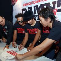 Slank dan Daniel Mananta mempromosikan Damn! I Love Indonesia untuk memperingati Harkitnas 20 Mei (Deki Prayoga/Bintang.com)