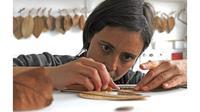 Wanita Ini Bisa Ubah Daun Kering Menjadi Karya Seni, 5 Hasilnya Bikin Takjub (sumber: Instagram.com/susanna_bauer)