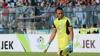 Dwi Kuswanto mendapat pujian saat Persela menahan Persebaya. (Bola.com/Aditya Wany)