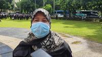 Ketua Bawaslu Kota Depok, Luli Barlini ditemui usai mengikuti apel pengamanan Pilkada di lapangan Balai Kota Depok, Selasa (8/12/2020). (Foto:Liputan6/Dicky Agung Prihanto).