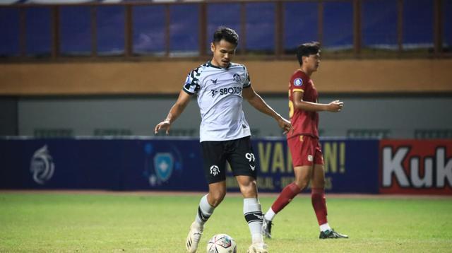 Dimas Drajad jadi man of the match pada duel Barito Putera vs Persikabo 1973 pekan keempat BRI Liga 1 2021/2022, Kamis (23/9/2021). (Bola.com/Nandang Permana)