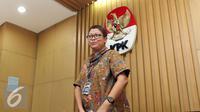 Pelaksana Harian Kepala Biro Humas KPK Yuyuk Andriati jelang konferensi pers terkait penetapan tersangka baru kasus tipikor e-KTP, Jakarta, Jum'at (30/9). (Liputan6.com/Helmi Afandi)