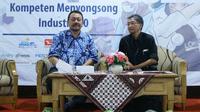 Ki-ka: Koordinator SEAMEO Cneter Indonesia, Gatot Hari Priowirjanto dan Kasubdit Kurikulum SMK Direktorat PSMK, Moch Widiyanto/Stella Maris.