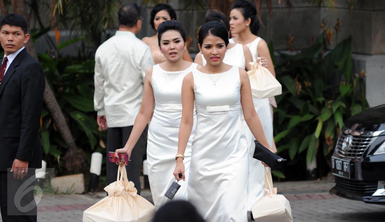 Beginilah Suasana Pernikahan Anak Kedua Setya Novanto - Page 8
