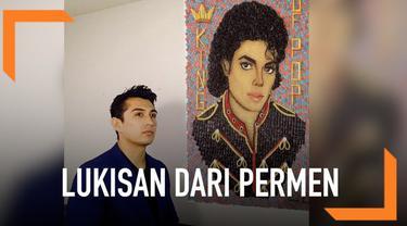 Seorang seniman bernama Cristiam Ramos menciptakan karya dengan cara yang tak biasa. Ia menggunakan permen sebagai bahan untuk melukis.