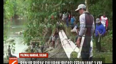 Banjir dua pekan di Polewali Mandar, Sulawesi Barat, membuat jaringan irigasi pertanian rusak sepanjang 3 kilometer.