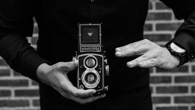 Ilustrasi kamera analog  (dok. Pixabay.com/Putu Elmira)#source%3Dgooglier%2Ecom#https%3A%2F%2Fgooglier%2Ecom%2Fpage%2F%2F10000