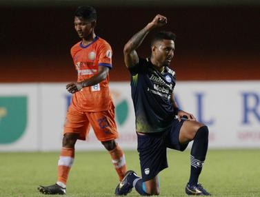 FOTO: Unggul 1-0 atas Persiraja di Babak Pertama, Persib Incar Juara Grup D - Wander Luiz