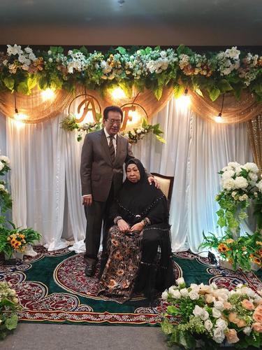 Anwar Fuady dan Farida Cosim. (Foto: Instagram @fuady_47)